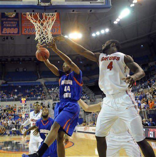 No. 7 Florida overwhelms Savannah State 58-40