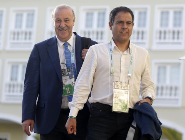 Spain's head coach Vicent del Bosque arrives at Sauipe Class Hotel ahead of the 2014 World Cup draw at the Costa do Sauipe resort in Sao Joao da Mata, Bahia state