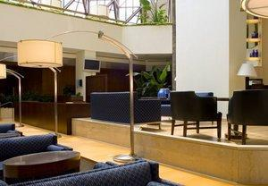 Crystal Gateway Marriott Offers Guests Complimentary Shuttle to and From Reagan National Airport