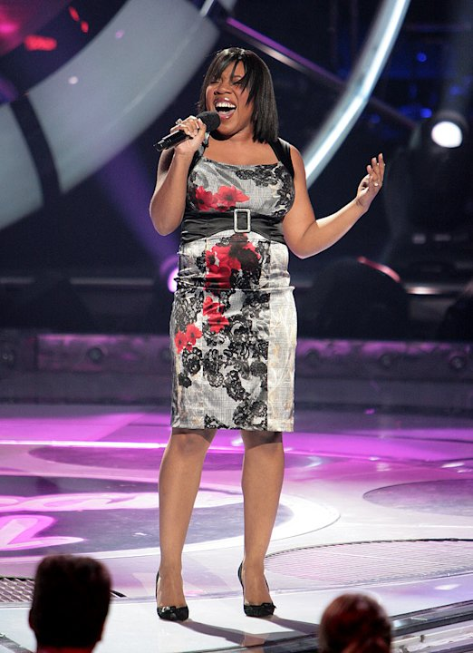 Melinda Doolittle performs as one of the top 9 contestants on the 6th season of American Idol.