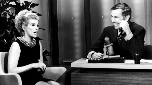 THE TONIGHT SHOW STARRING JOHNNY CARSON -- Pictured: (l-r) Joan Rivers, Johnny Carson (host)  (Photo by NBC/NBCU Photo Bank via Getty Images)
