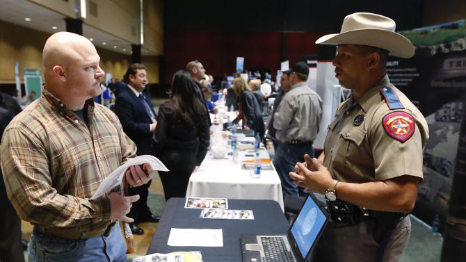 Younger vets still struggle as jobs scene improves