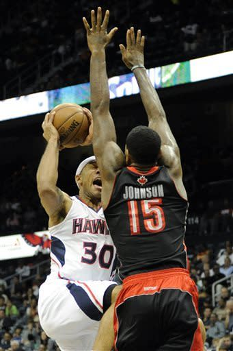 DeRozan, Gay lead Raptors past Hawks 113-96