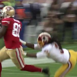 San Francisco 49ers quarterback Colin Kaepernick throws a 30-yard TD pass to wide receiver Anquan Boldin