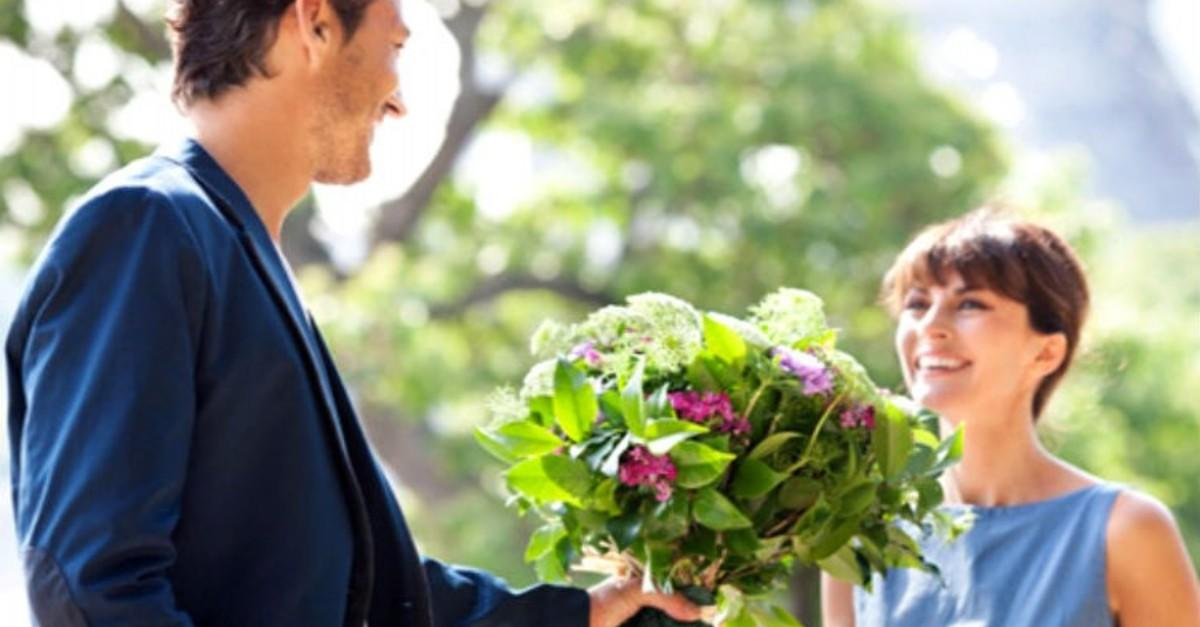 16 Romantic Flowers And Their Symbolic Meanings