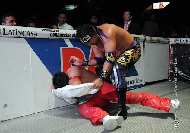 Lucha-Estelar-La-Mascara-vs-Rey-Escorpion-02-jpg