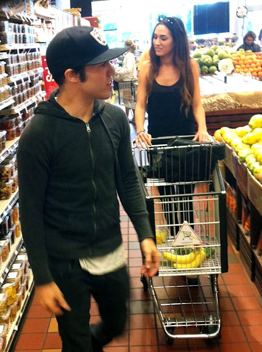 Pete Wentz Grocery Shopping