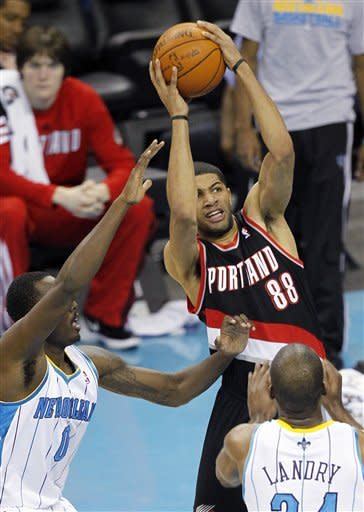 Aldridge leads Blazers past Hornets 84-77