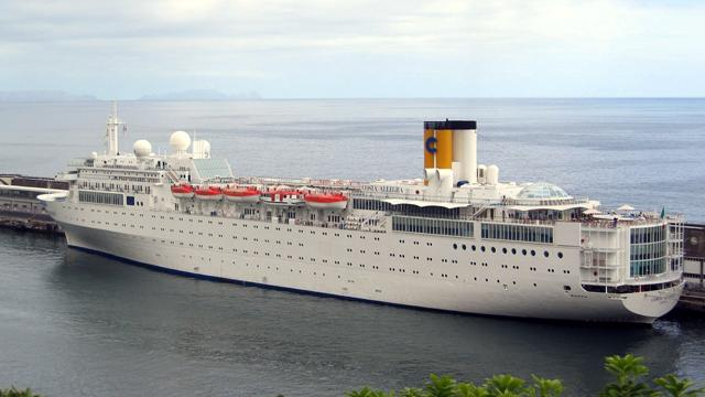 Cruise Ship Adrift in Pirate Infested Indian Ocean