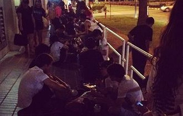 Fans started queueing for SM Town a week in advance (Instagram screengrab from Minyani501)