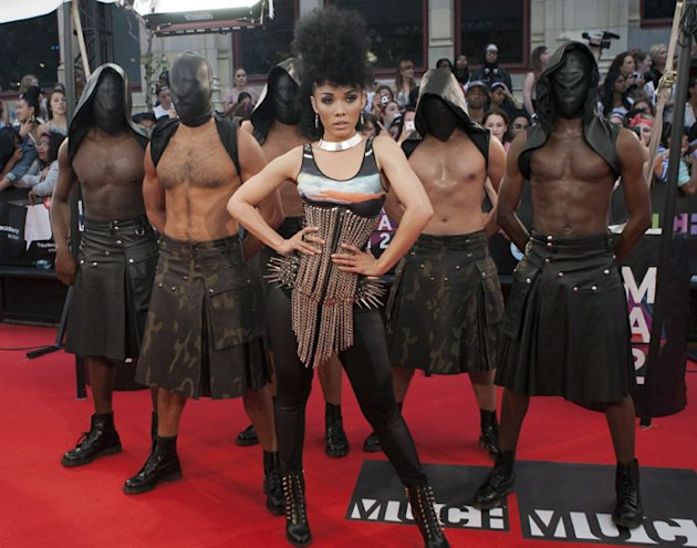 kreeshaturner MMVA 2012 Most Outrageous Fashion Award