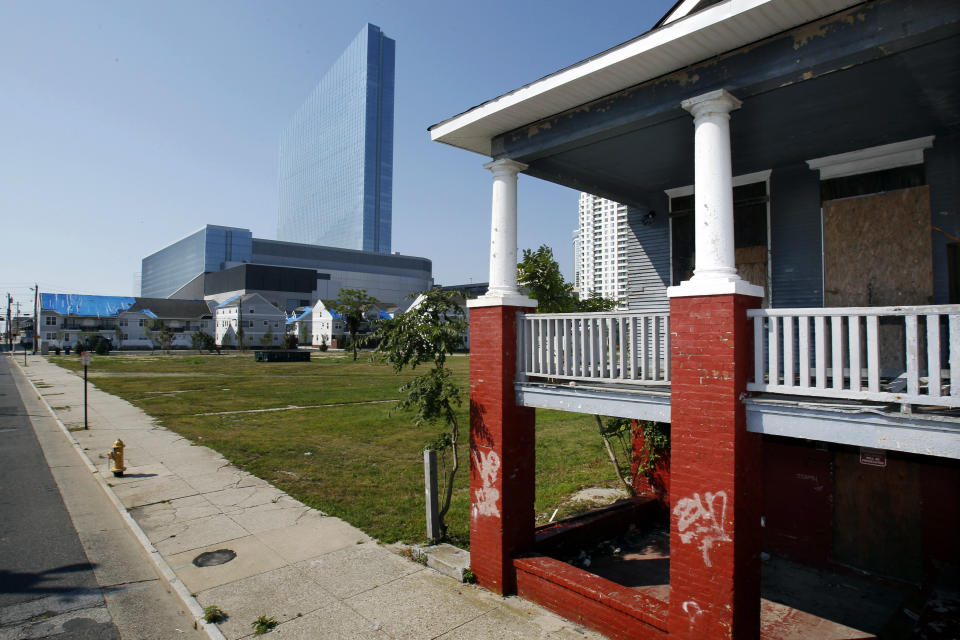 Atlantic City redevelopment keeps poor on the move