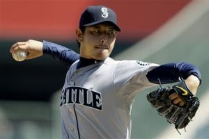 Mariners avoid sweep, slow Angels' playoff surge