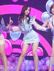 [Photo] A-Pink&#39;s Son Na-eun performing on stage