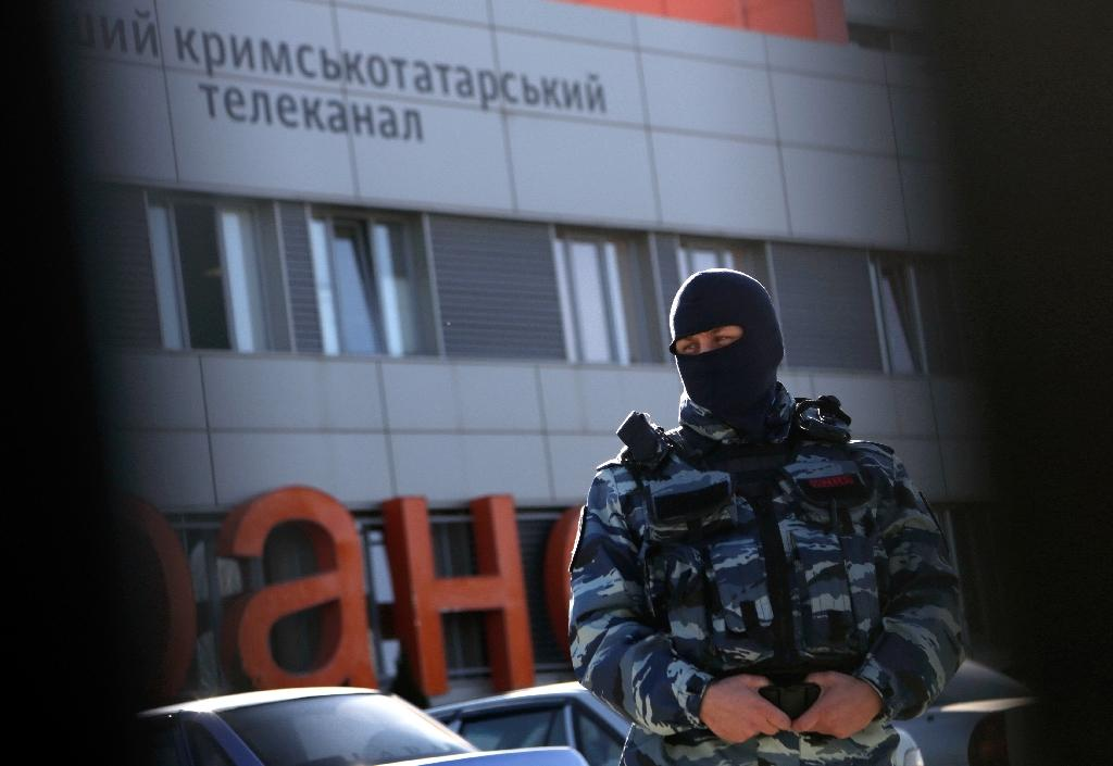Russian riot police raid Crimean Tatar TV channel