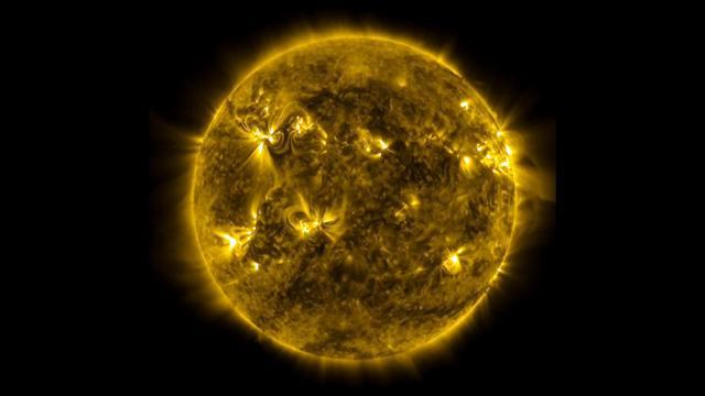 "NASA images show ""Sun's violent dance"""