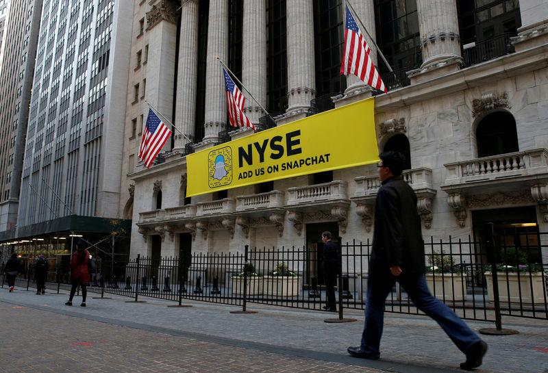 U.S exchanges rent helicopter, drape banner in pursuit of Snapchat IPO