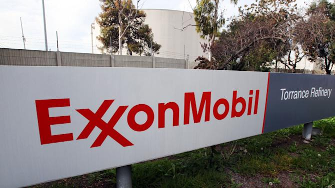 Exxon 1Q earnings rise but production slips again
