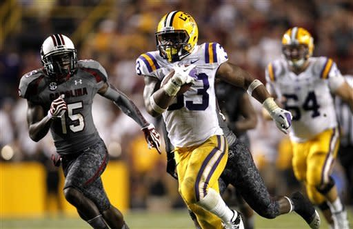 No. 9 LSU defeats No. 3 South Carolina, 23-21