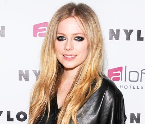 """Avril Lavigne """"Gained a Lot of Perspective"""" From Lyme Disease Battle"""