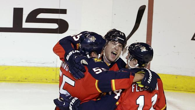 Panthers stop Islanders' surge with 4-2 victory