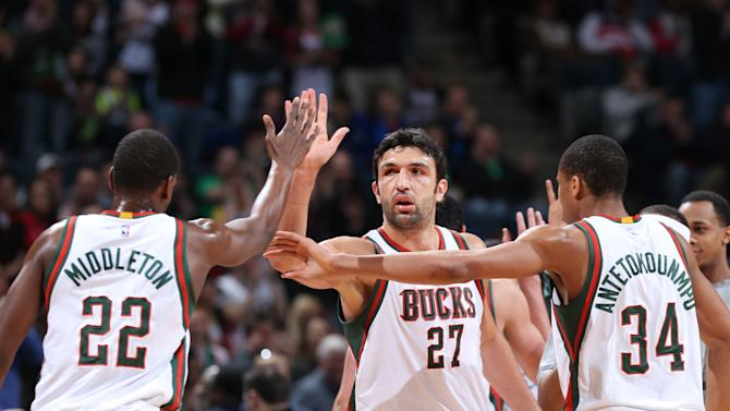 Middleton scores 30 points, Bucks hold off Wizards 91-85