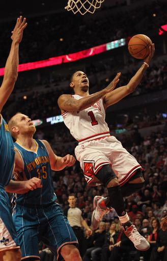 Rose's last-minute jumper leads Bulls past Hornets