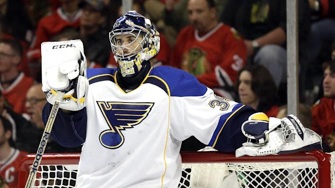 Ryan Miller gets 3-year deal with Canucks