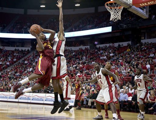 Bennett helps No. 18 UNLV beat Iowa State 82-70
