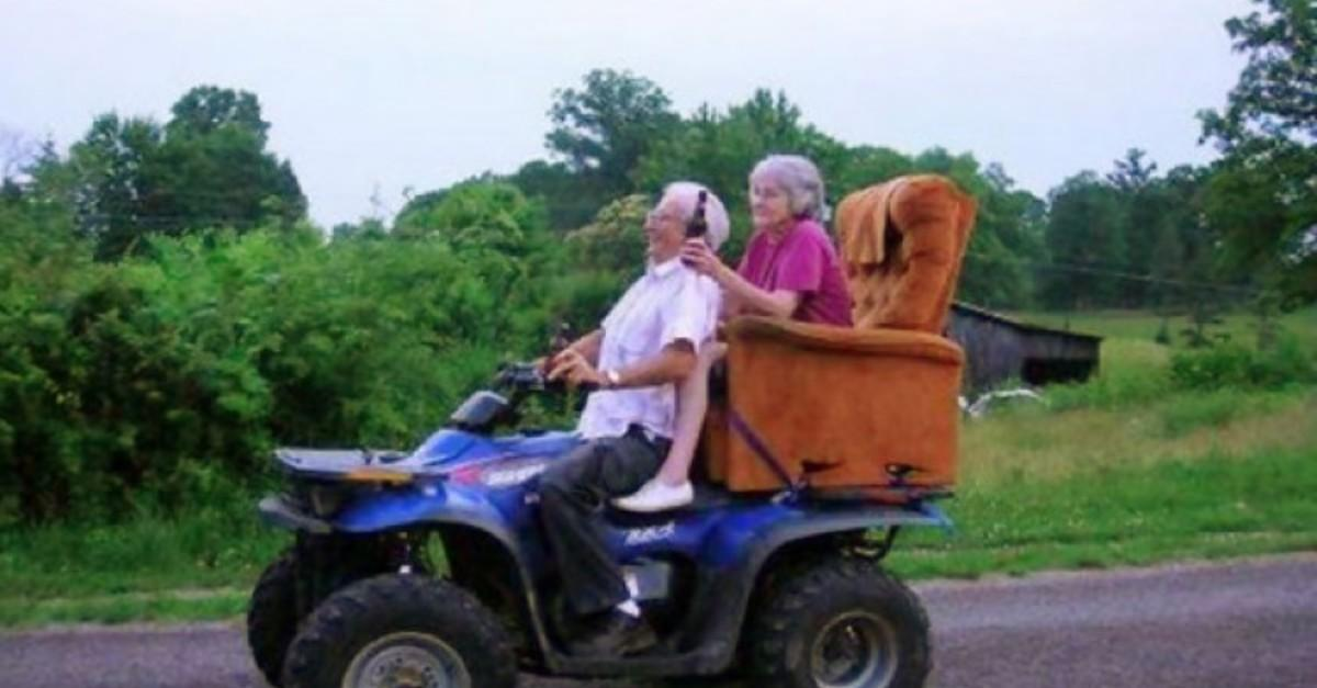 17 Adorable Old Couples Still Madly In Love