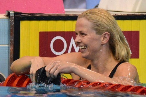 Britta Steffen hat die deutsche 4x100-Meter-Lagenstaffel bei den Schwimm-Europameisterschaften im ungarischen Debrecen zu Gold gefhrt. Sie hatte zuvor schon ber 50 Meter Freistil gewonnen und beendet die EM mit dreimal Gold und einmal Silber