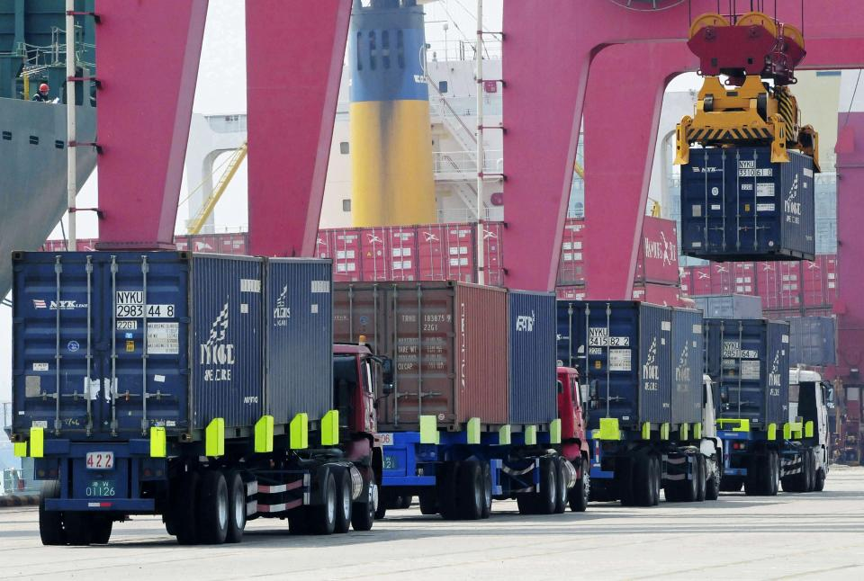 China reports stronger April trade growth
