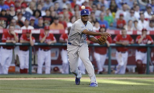 Capuano pitches Dodgers to 3-1 win over Angels