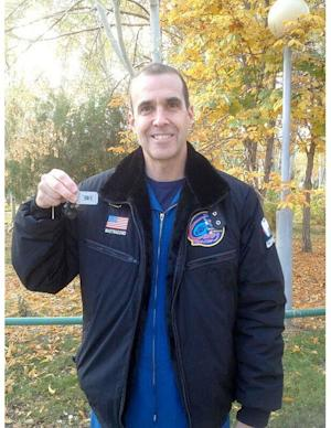 Astronaut Taking Treasure-Hunt 'Travel Bug' to Space Station