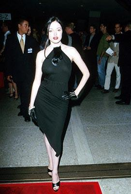 Premiere: Rose McGowan sans The Dope Show at the Loews Cineplex Century Plaza premiere of New Line's The Cell - 8/17/2000