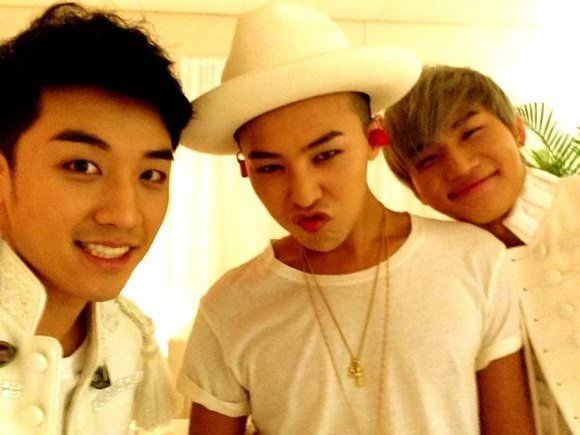 BigBang reveal a new photos of themselves