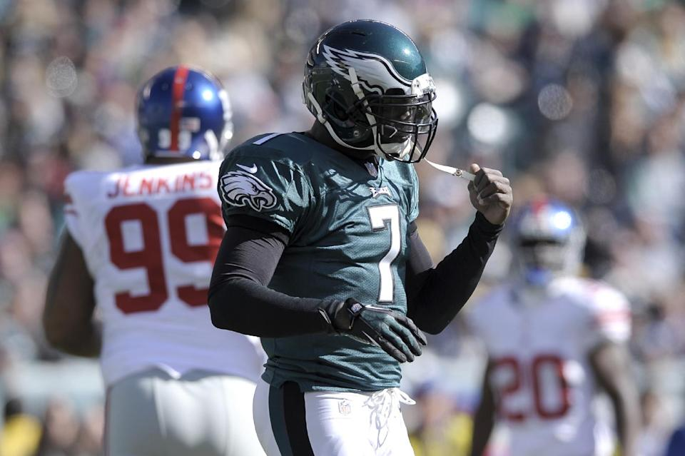 Eagles QB Vick leaves game against Giants