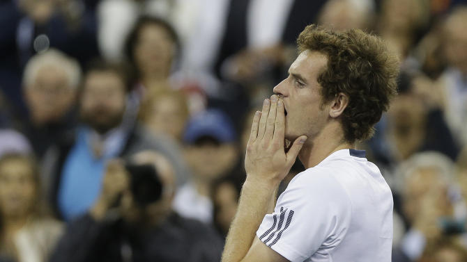 Britain's Andy Murray reacts after beating Serbia's Novak Djokovic in the championship match at the 2012 US Open tennis tournament,  Monday, Sept. 10, 2012, in New York. (AP Photo/Mike Groll)