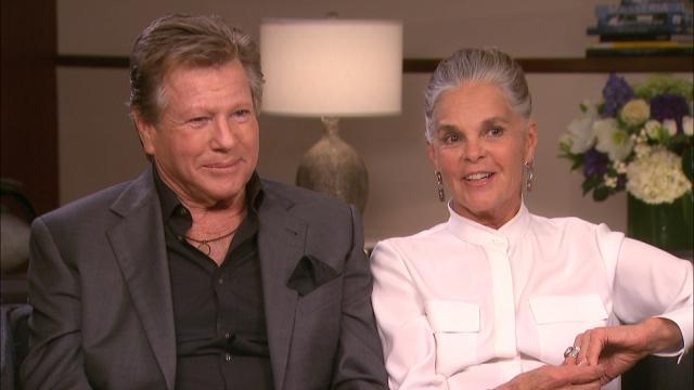 'Love Story' Stars Ali McGraw and Ryan O'Neal Reunite 45 Years Later for 'Love Letters'