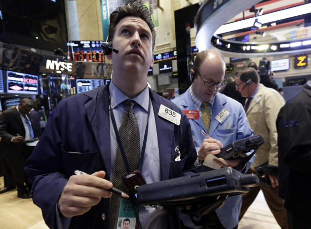US stocks end slightly lower for a second day