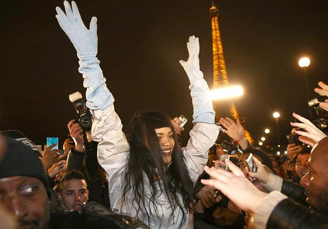Crucial Update: Rihanna Catapulted Herself Into Swarm of Parisian Fans