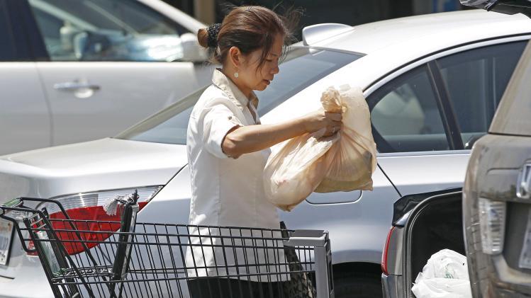 LA City Council tentatively bans plastic bags