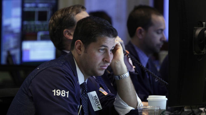 Stocks sink as DuPont, Xerox, 3M scare investors
