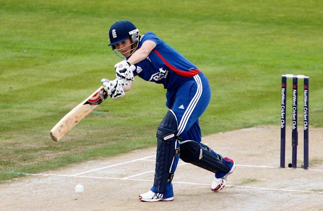 Captain Charlotte Edwards scored 28 runs in England's World Twenty20 trophy final defeat to Australia