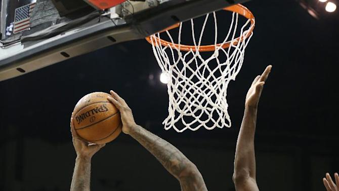 Cousins lifts sluggish Kings over Wolves, 113-101