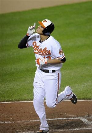 Orioles tie team mark with 7 HRs, rout Blue Jays