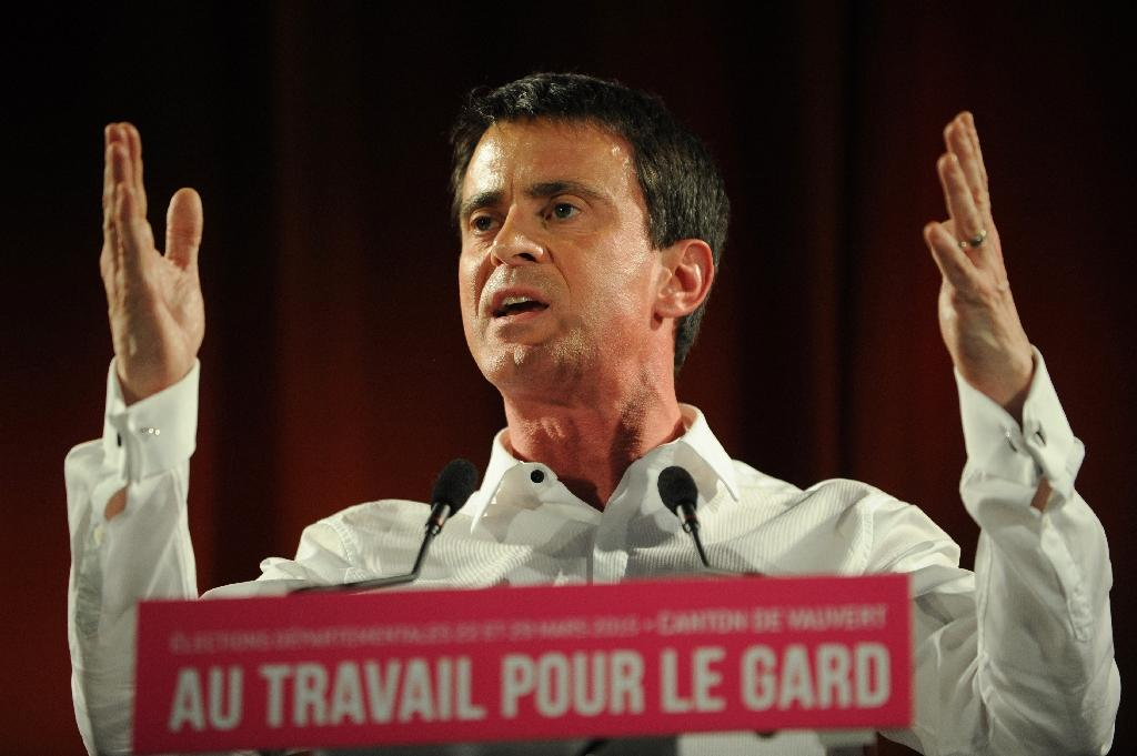 Sarkozy, Le Pen expect boost from French local polls