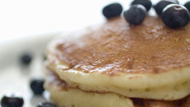 IHOP Serves Freebies on National Pancake Day (ABC News)