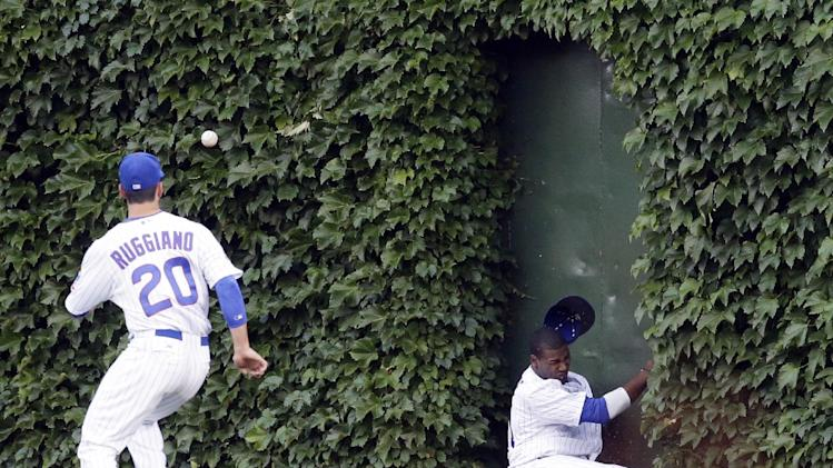 Ruggiano's 2-run double leads Cubs, 5-3
