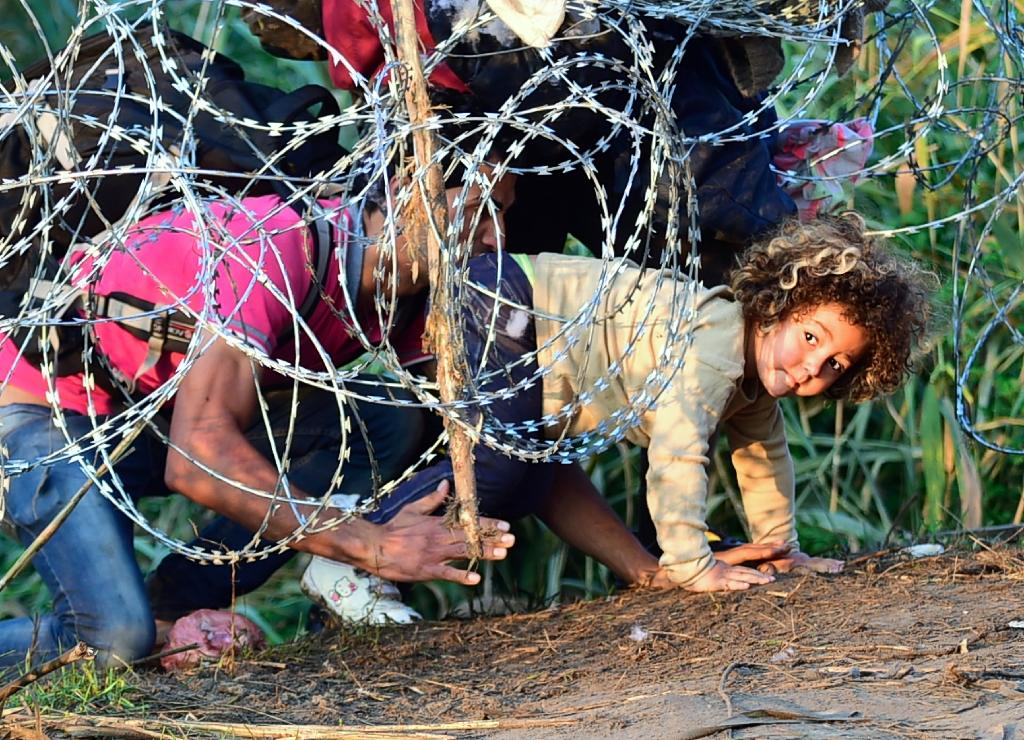 Refugee wave into hotspot Hungary hits new record high